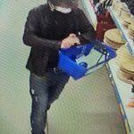 Vídeo – Homem é flagrado furtando em supermercado de Três Passos