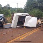 Vídeo – Carro parte ao meio em acidente e motorista foge para o mato em Tenente Portela