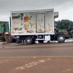 Grave acidente envolve caminhões no trevo de acesso a Humaitá, na BR-468