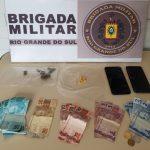 Dois jovens são presos por tráfico de drogas na cidade de Três Passos
