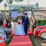 Noivos celebram amor em primeiro casamento no modelo drive-in do RS; noiva é filha de três-passense