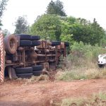 Imagens mostram momento em que motorista evita um acidente mais grave em Três Passos