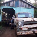 Casa em cima de ponte bloqueia o trânsito entre Miraguaí e Três Passos