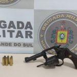 Homem é preso por porte ilegal de arma de fogo em Três Passos