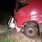 Menino de 14 anos pega carro escondido dos pais e morre em colisão frontal