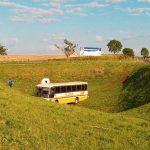 Atualizada – Motorista sofre mal súbito e ônibus sai da pista no trevo de acesso a São Martinho, na BR-468