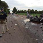Acidente entre dois carros e duas carretas deixa vítima fatal na BR-158, no RS