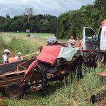 Acidente entre trator e veículo com placas de Três Passos deixa feridos na BR-468