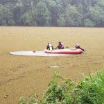 Bombeiros localizam corpo de caminhoneiro que caiu em rio após acidente
