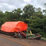 Dono de caminhonete envolvida em acidente na BR-468 diz que reboque de plantadeira não foi levado para o guincho
